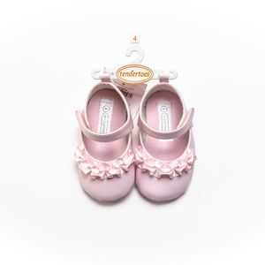 Baby Girl Crib Shoes Size 4 = 9-12m